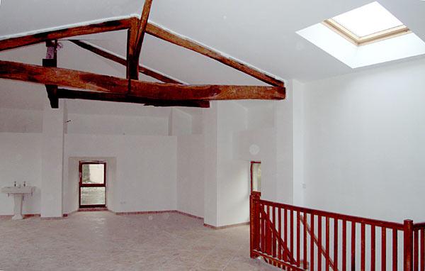plafond sous rampant et d coration autour d 39 une ferme. Black Bedroom Furniture Sets. Home Design Ideas